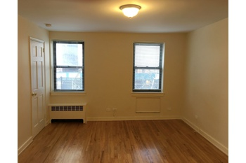 Conveniently Located, Renovated Murray Hill One Bedroom